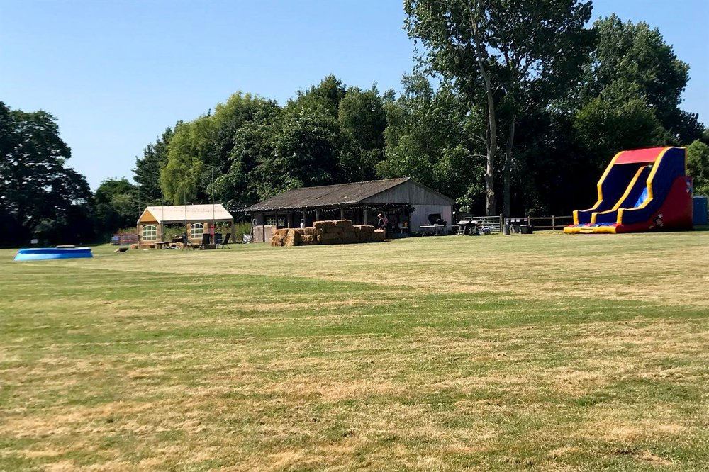 west-sussex-party-field-barn.jpg