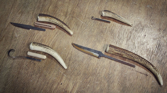 Orientating the blades within their handles. The large blade is from Svante Djärv. The others are from Nic Westermann.