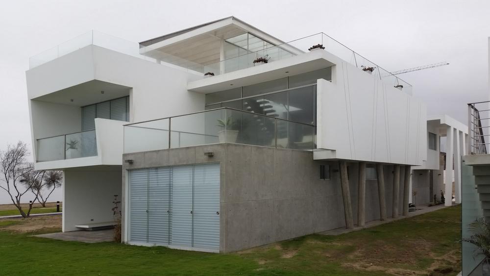 Diego del Castillo - oaudarq - casa de playa EC (6).jpg