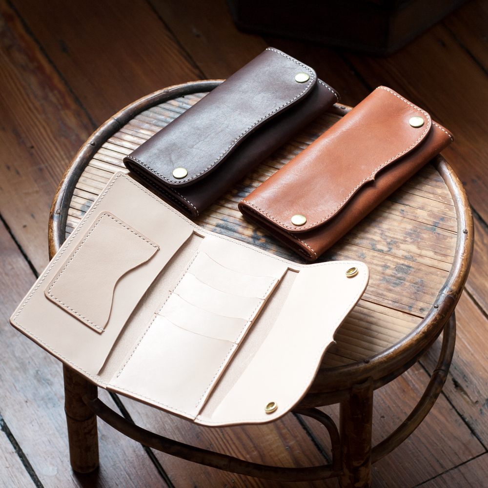 """""""MAKESUPPLY is modern Leathercraft company offering laser cut templates, small batch supplies, and craft instructions."""" website: www.makesupply-leather.com"""