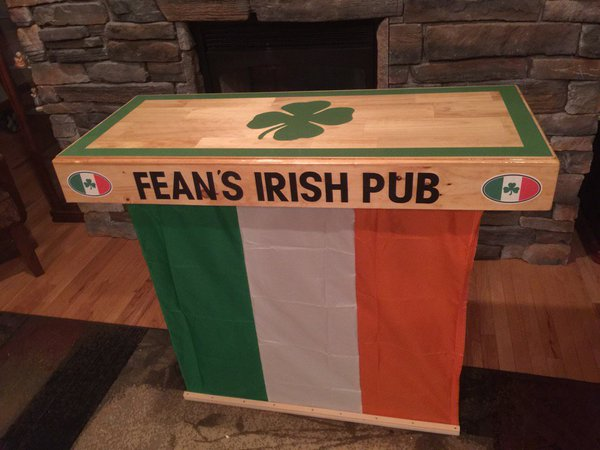 Fean's Irish Pub.jpg