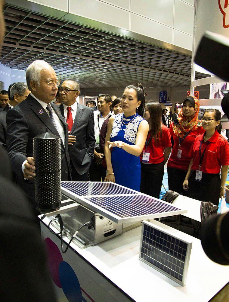 YAB Dato' Seri Najib visiting our booth @ SMIDEX 2014