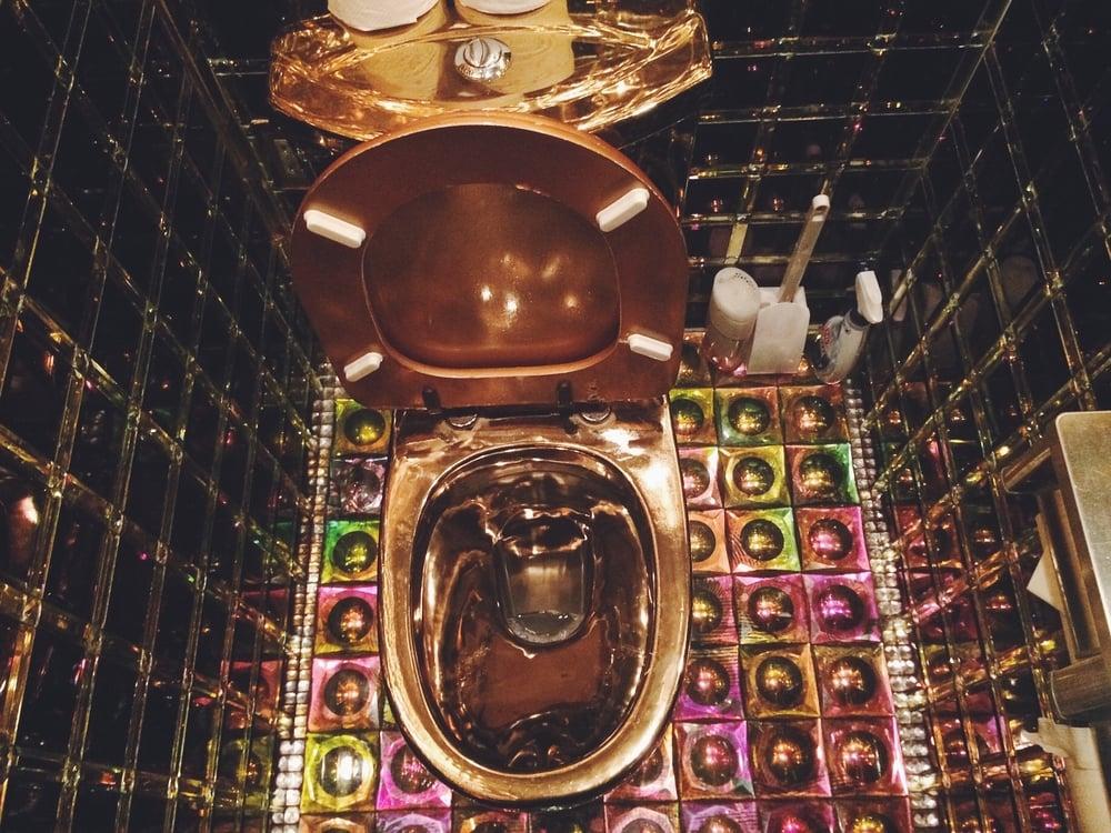 Gold toilet!!