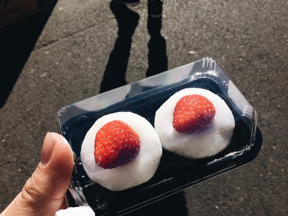 This mochi was probably the only thing I liked from the fish market haha.