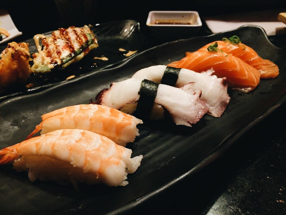 Three nigiri I love to order, I want to eat this everyday!