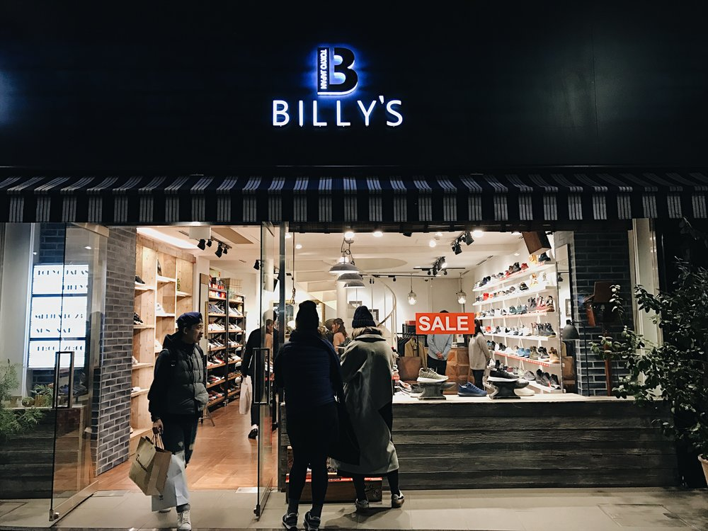 Made it over to Billy's to cop a pair of their exclusive Vans x Billy's slip ons. Pretty rad. Where's the picture? Google it lol.
