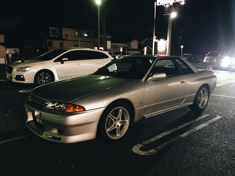 Spotted this Nissan Skyline GTR before we stepped inside the grocery for snacks and a bottle of Hibiki.