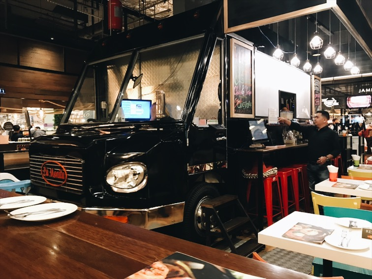 Mexican Food truck inside the mall!!