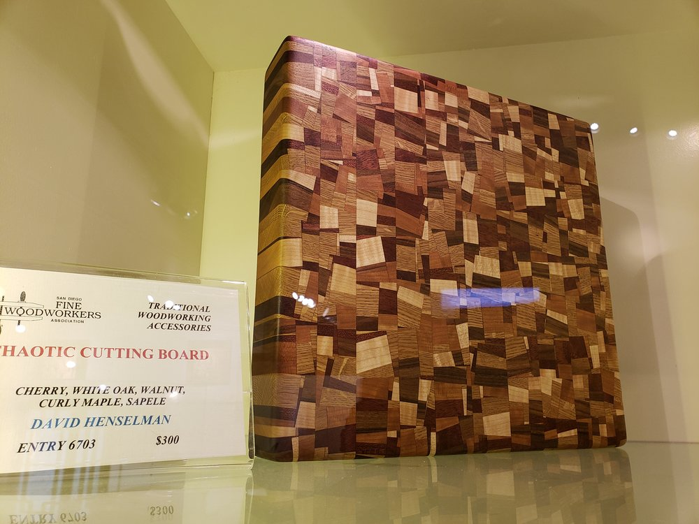 I want this cutting board.