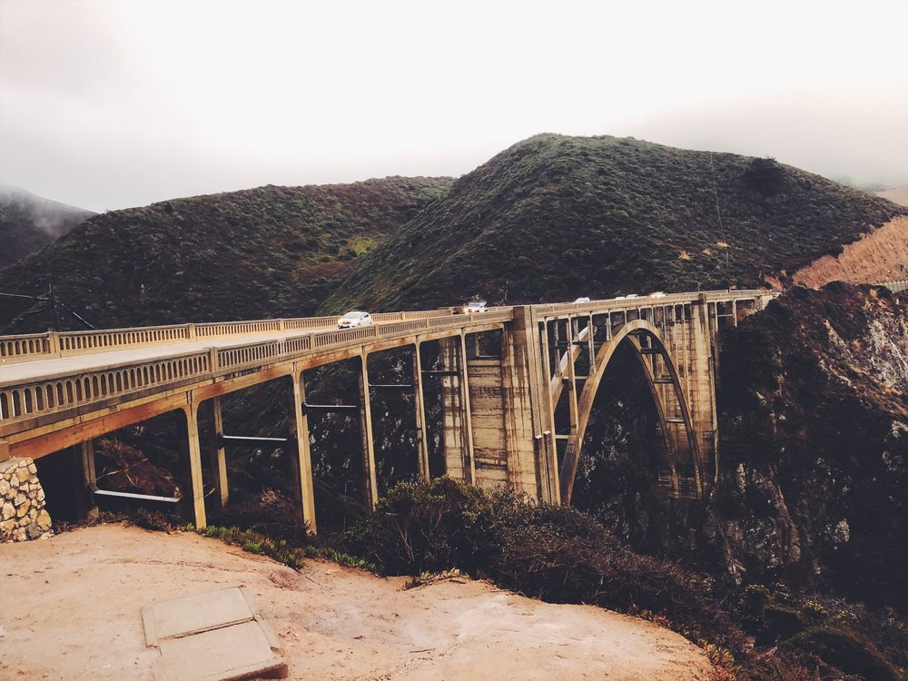 Finally drove over this bridge!! It was getting dark from this point, and we didn't make it to Carmel Valley in time for the photo gallery we wanted to stop by. They closed around 5 PM.