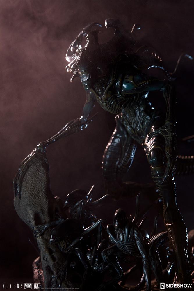pio-paulo-santana-aliens-alien-king-maquette-200333-02.jpg