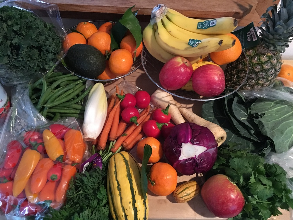 Just a fraction of what their is out there ! More colors equal more antioxidants , more vitamins, more hydration ,more phytonutrients, more essential minerals and more life-giving energy 🍏🍌🍒🌶🍎🍉🍑🌽🍐🍇🍍🍠🍊🍓🍅🍋🍈🍆
