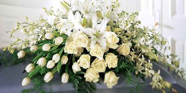 funeral-flowers-memorial-service-ideas.jpg