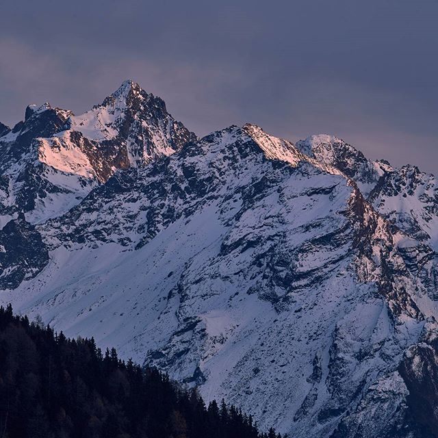 Last light in the #gsallkopf . #tirol #tiroleroberland #visittirol #bestmountainartists #kaunertal