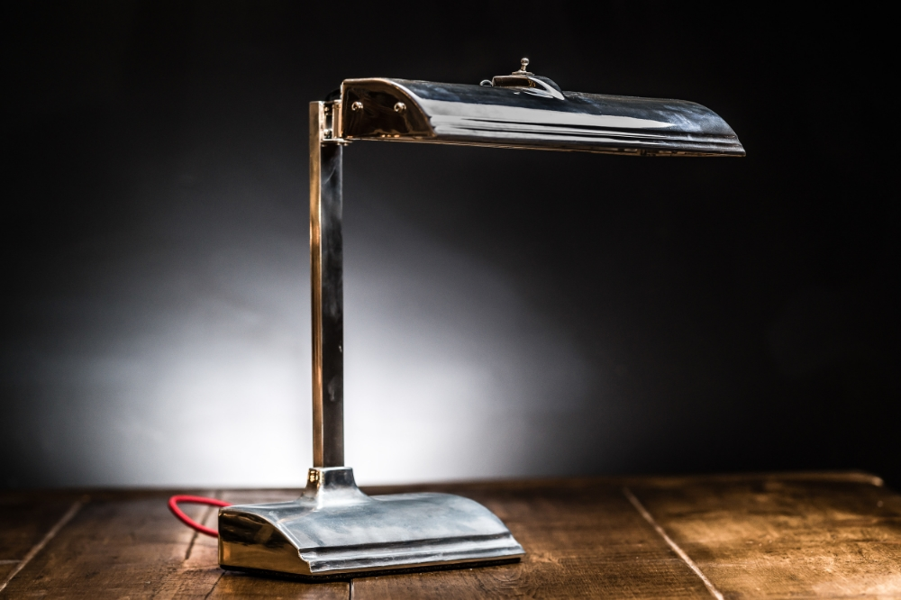1950s NYPD Desk Lamp 07.jpg