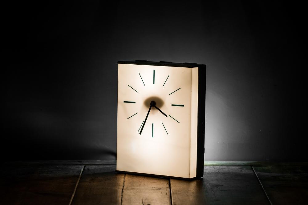 1950's Industrial Desk Clock 03.jpg