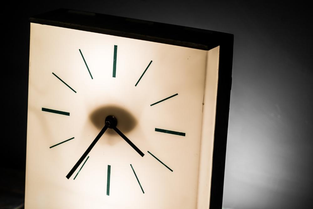 1950's Industrial Desk Clock 05.jpg