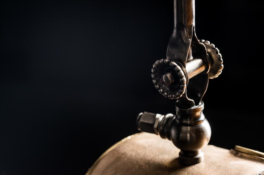 Steampunk Desk Lamp 02.jpg