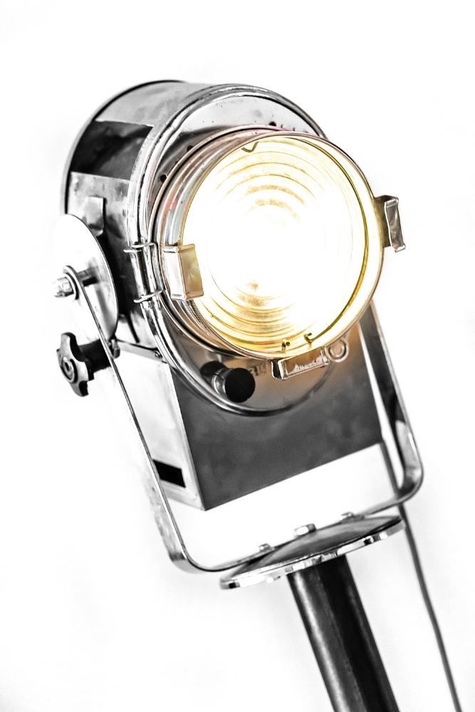 1940's Le Cremer Film Light 03.jpg