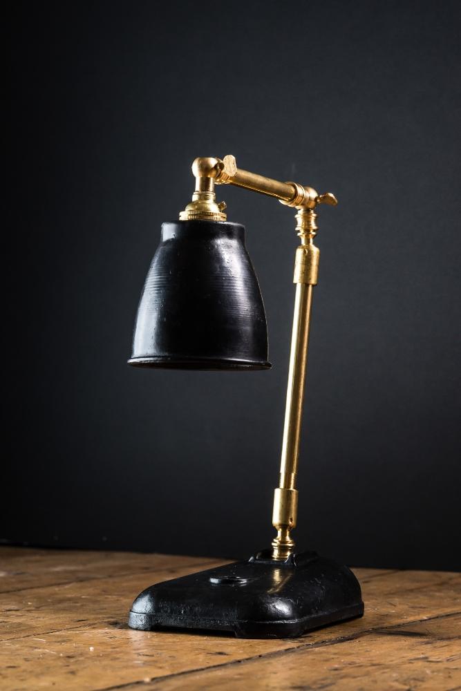 Felix Original Freddie Desk Lamp 01.jpg