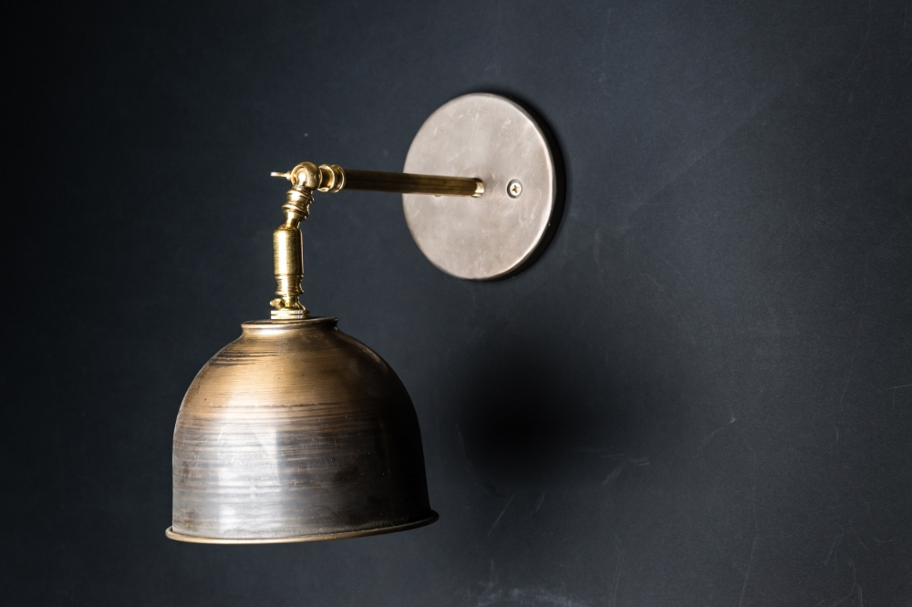 Vintage Bronze Wall Light 01.jpg