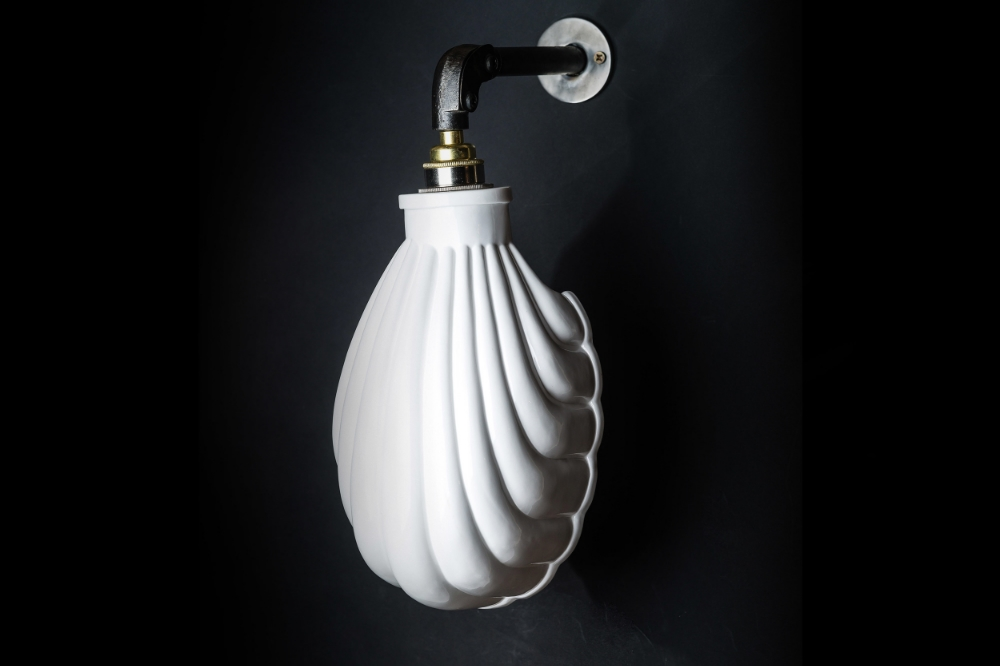 Bone China Shell Wall Light 02.jpg