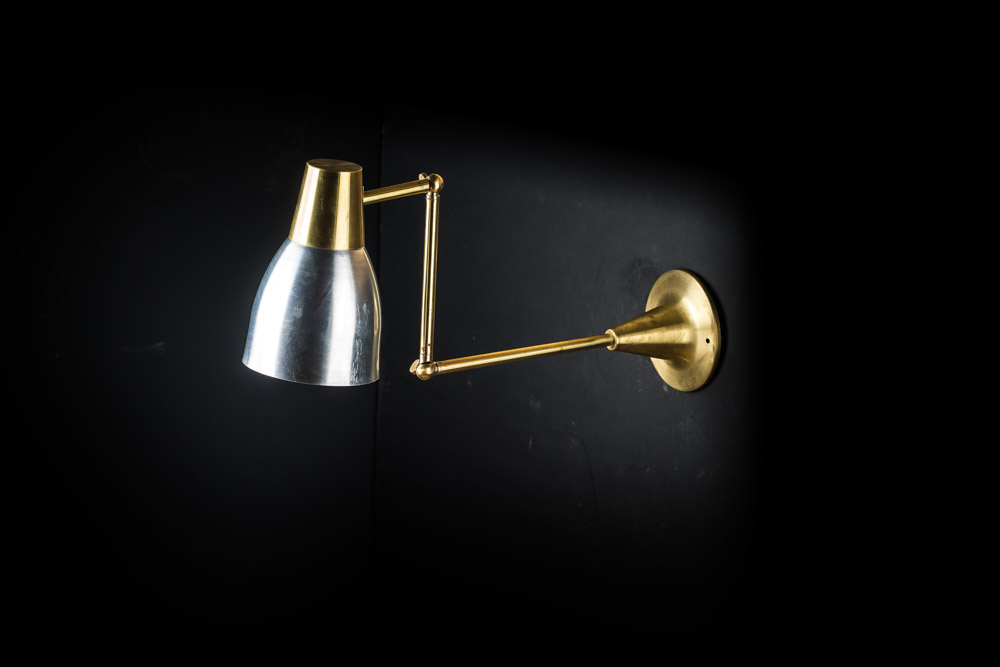 VINTAGE_BRASS_AND_ALUMINIUM_CHART_WALL_LIGHT_01.jpg
