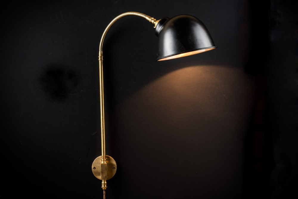 black and brass adjustable wall light07.jpg