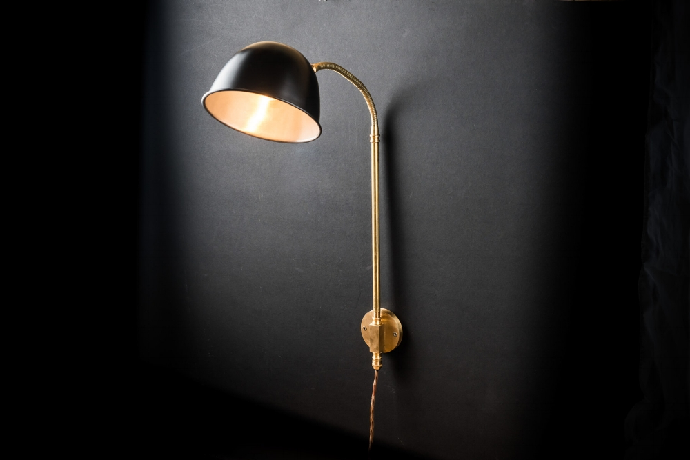 black and brass adjustable wall light08.jpg