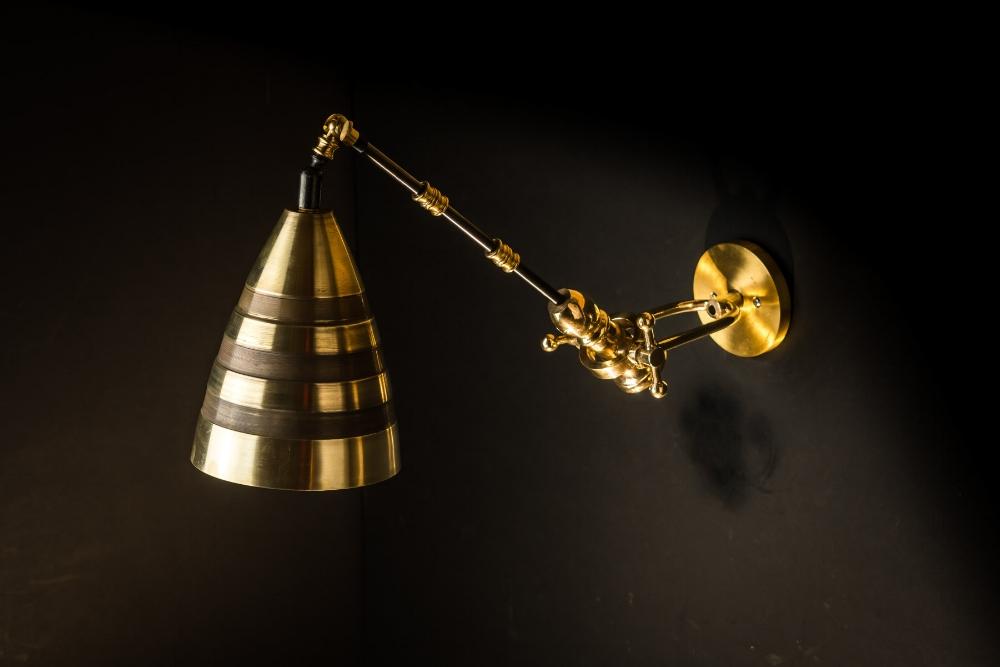 Felix Original Adjustable Brass 'Hornet' Wall Light