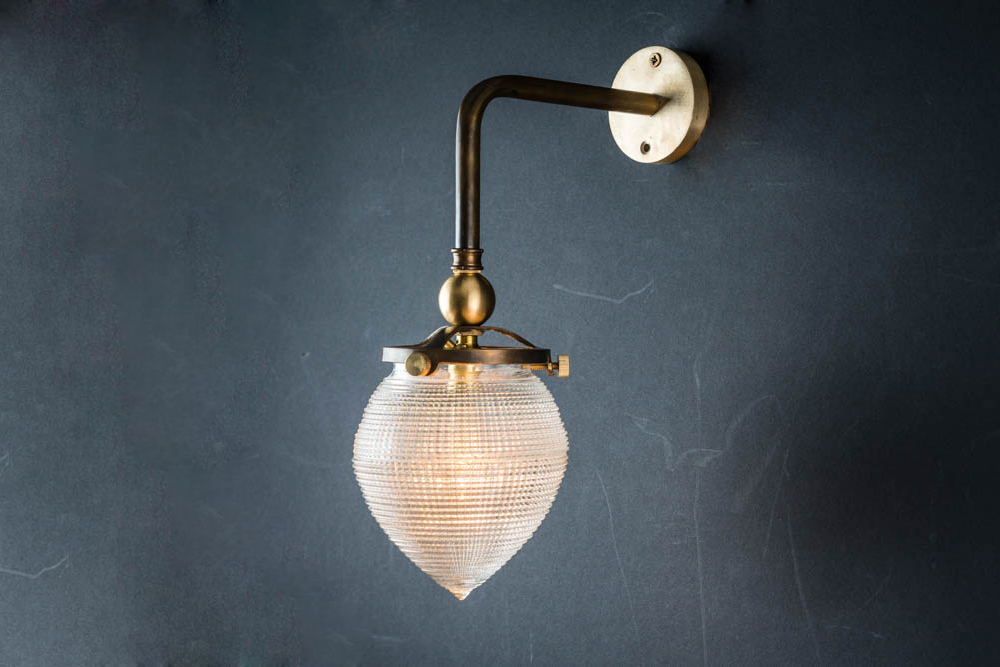 BRONZE_AND_CROSSCUT_GLASS_SURGICAL_WALL_LIGHT.jpg