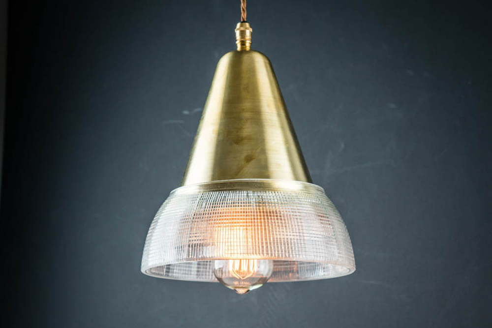 CROSSCUT_HOLOPHANE_AND_CONIC_BRASS_PENDANT03.jpg