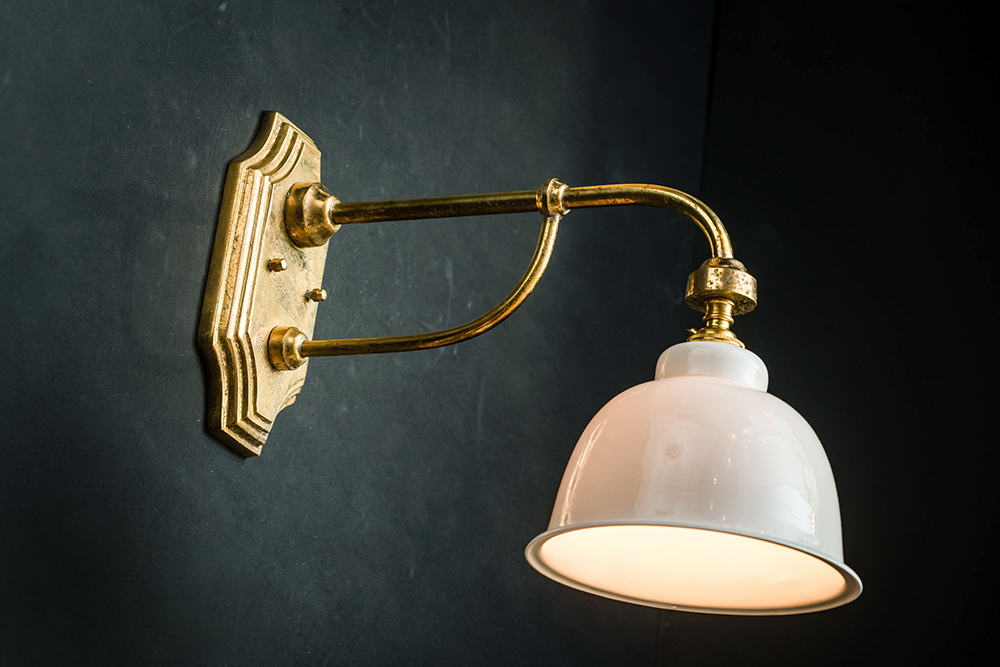 Benson brass and bone china wall light 05.jpg