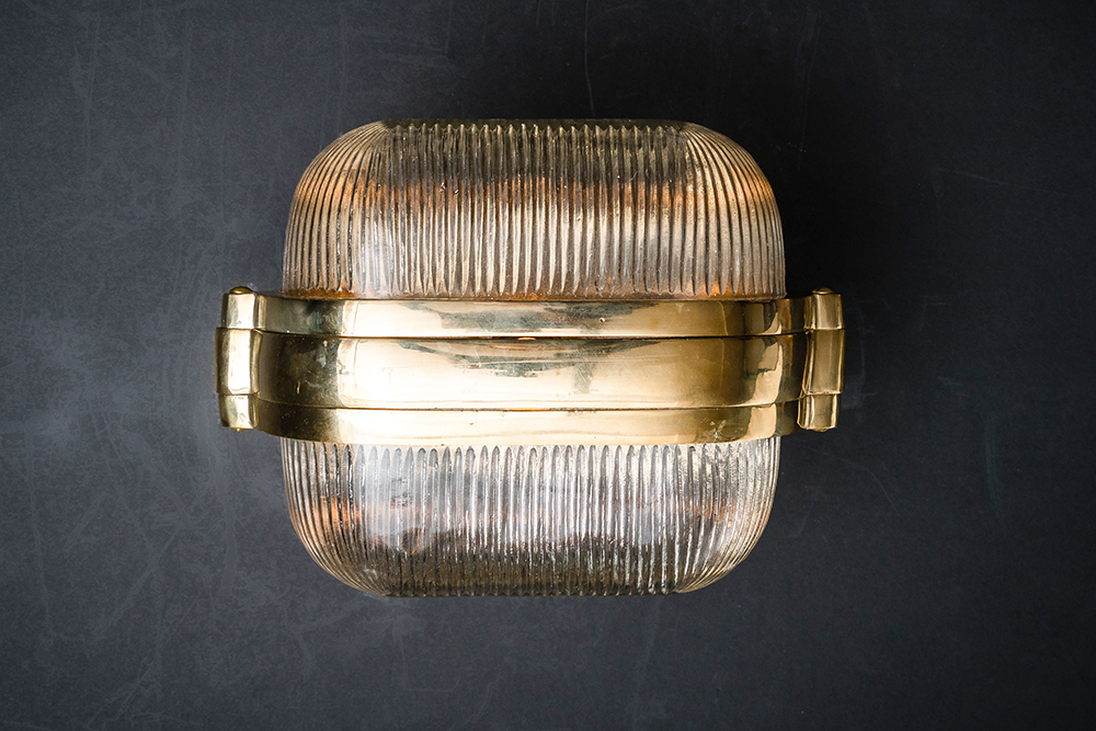 Henley brass and prismatic glass wall light 05.jpg