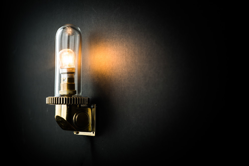 Vintage+Art+Deco+Brass+'Bullet'+Wall+Light.jpg
