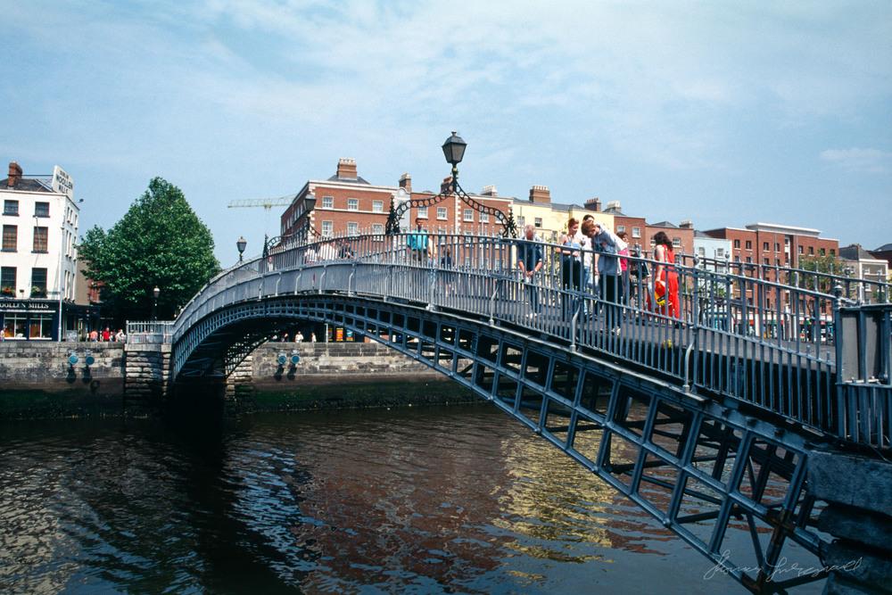 hapenny-bridge.jpg