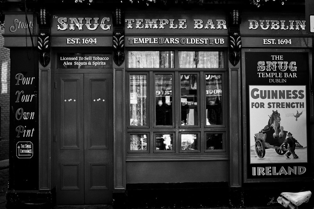 Snug Pub Temple Bar - The Streets of Dublin