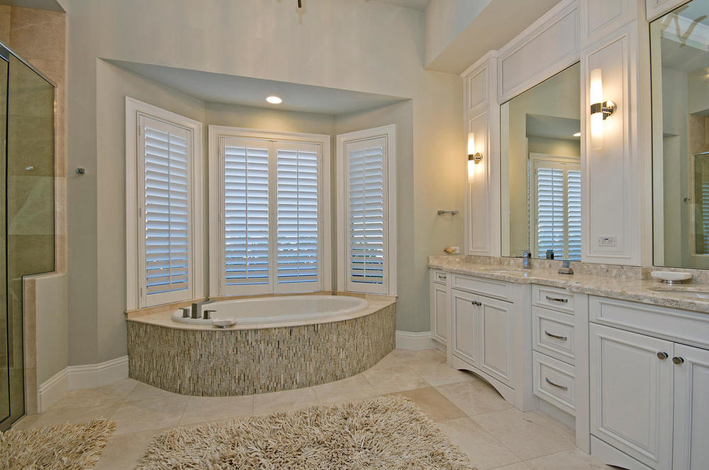 Marsala Lot 14 Naples FL 34105-large-009-master bath-1500x993-72dpi.jpg