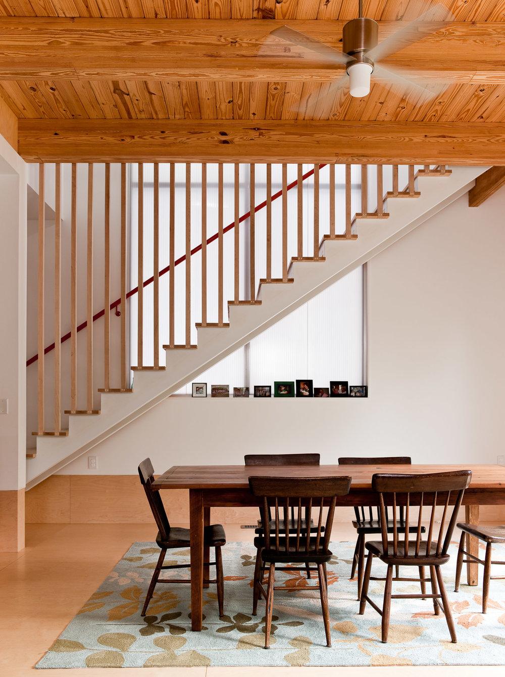 Modern_Home_MontAve_04.jpg
