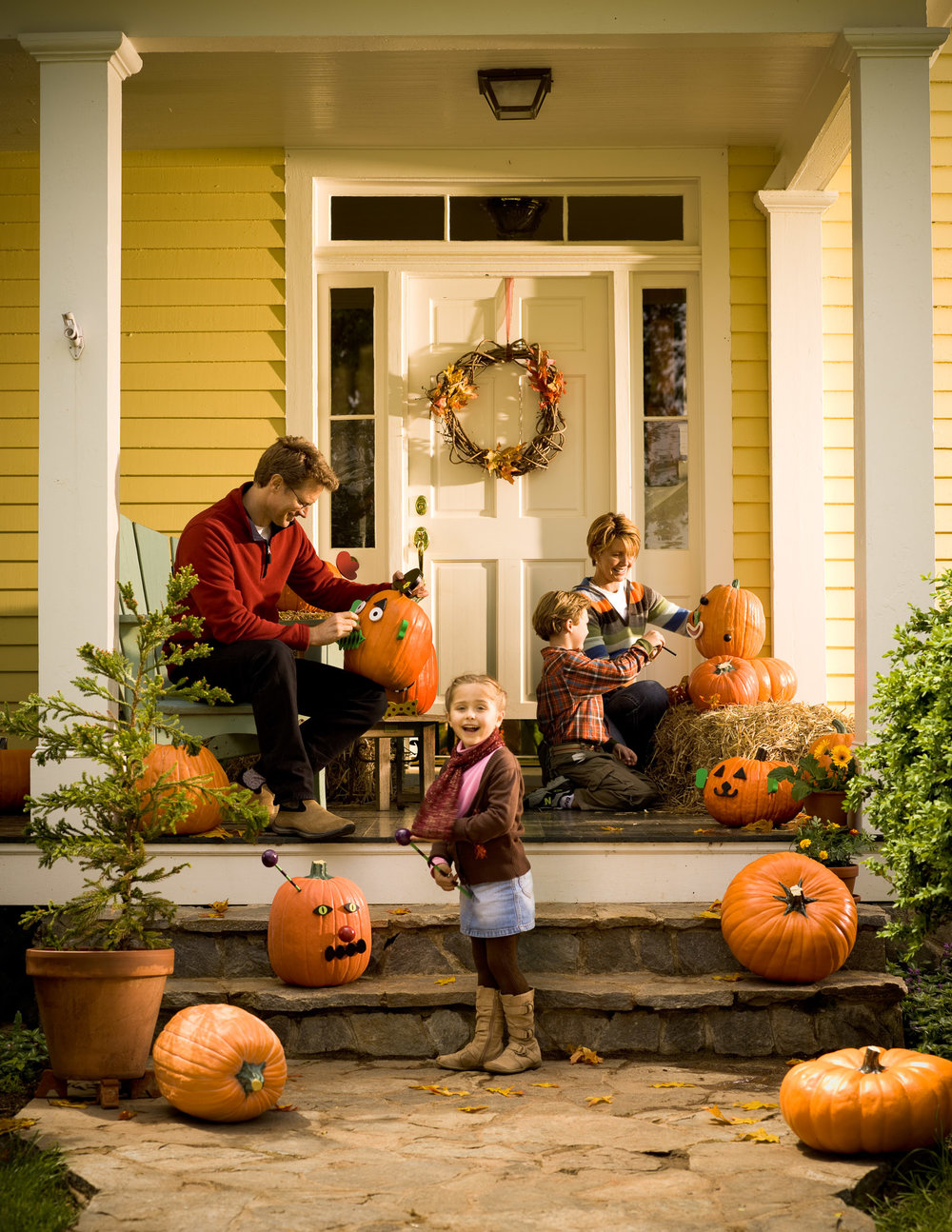 Halloween_Porch_Family.jpg