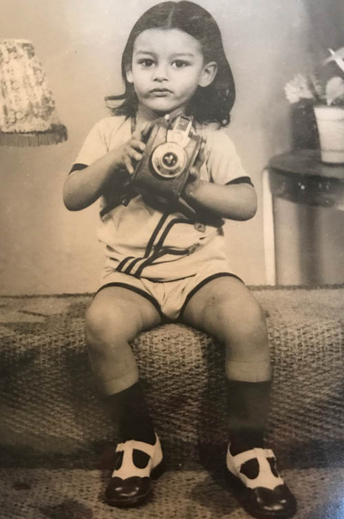 Young_Vik_With_Camera.jpg