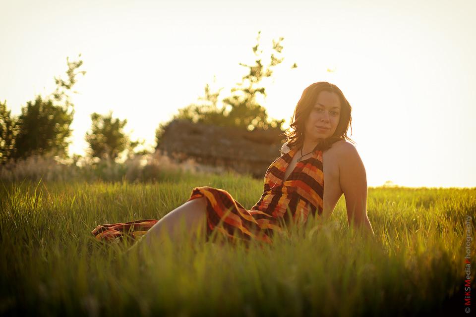 field sexy woman sunset photography