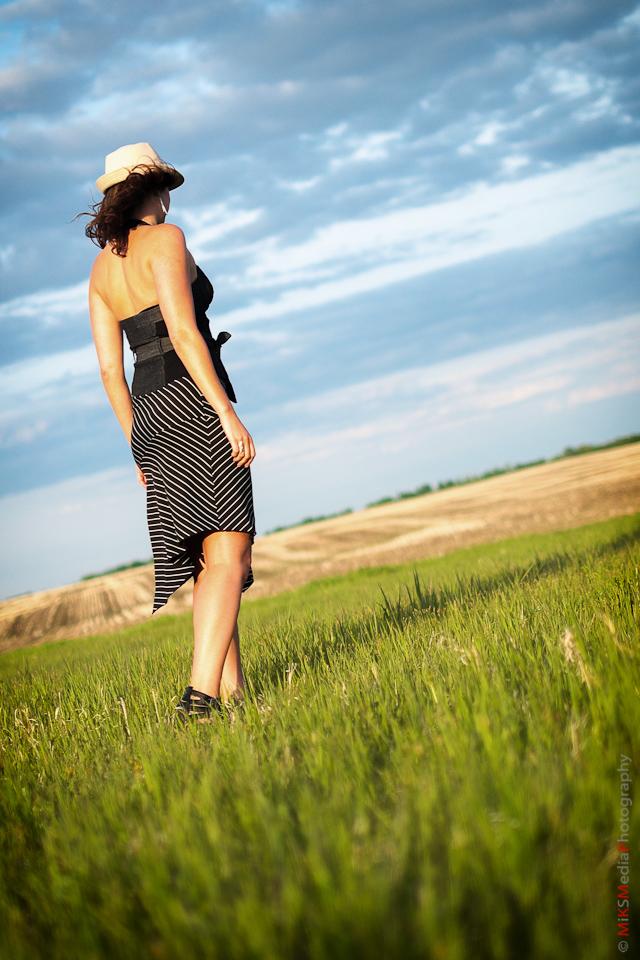 woman landscape edmonton photographer