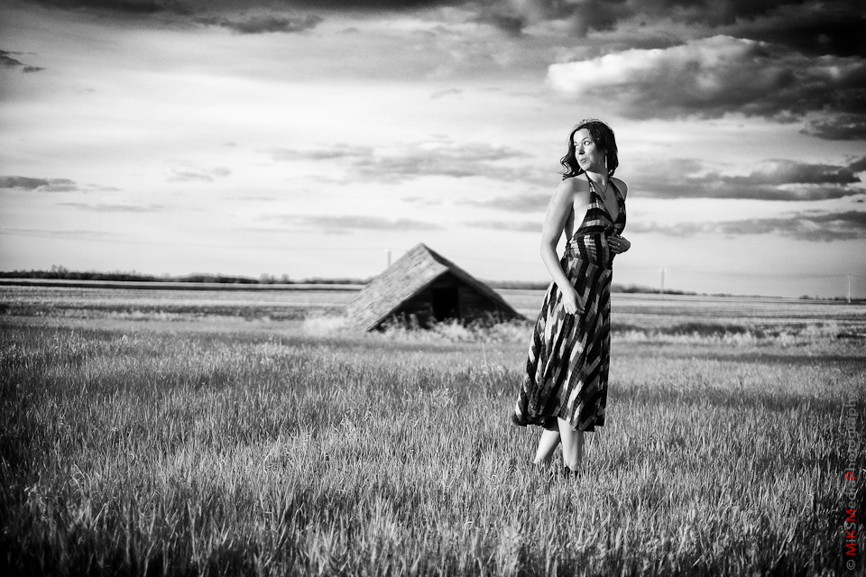 farm field woman lifestyle photography