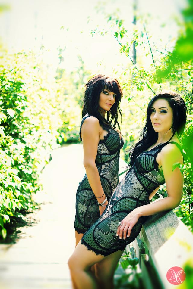 friends women park portrait edmonton photography
