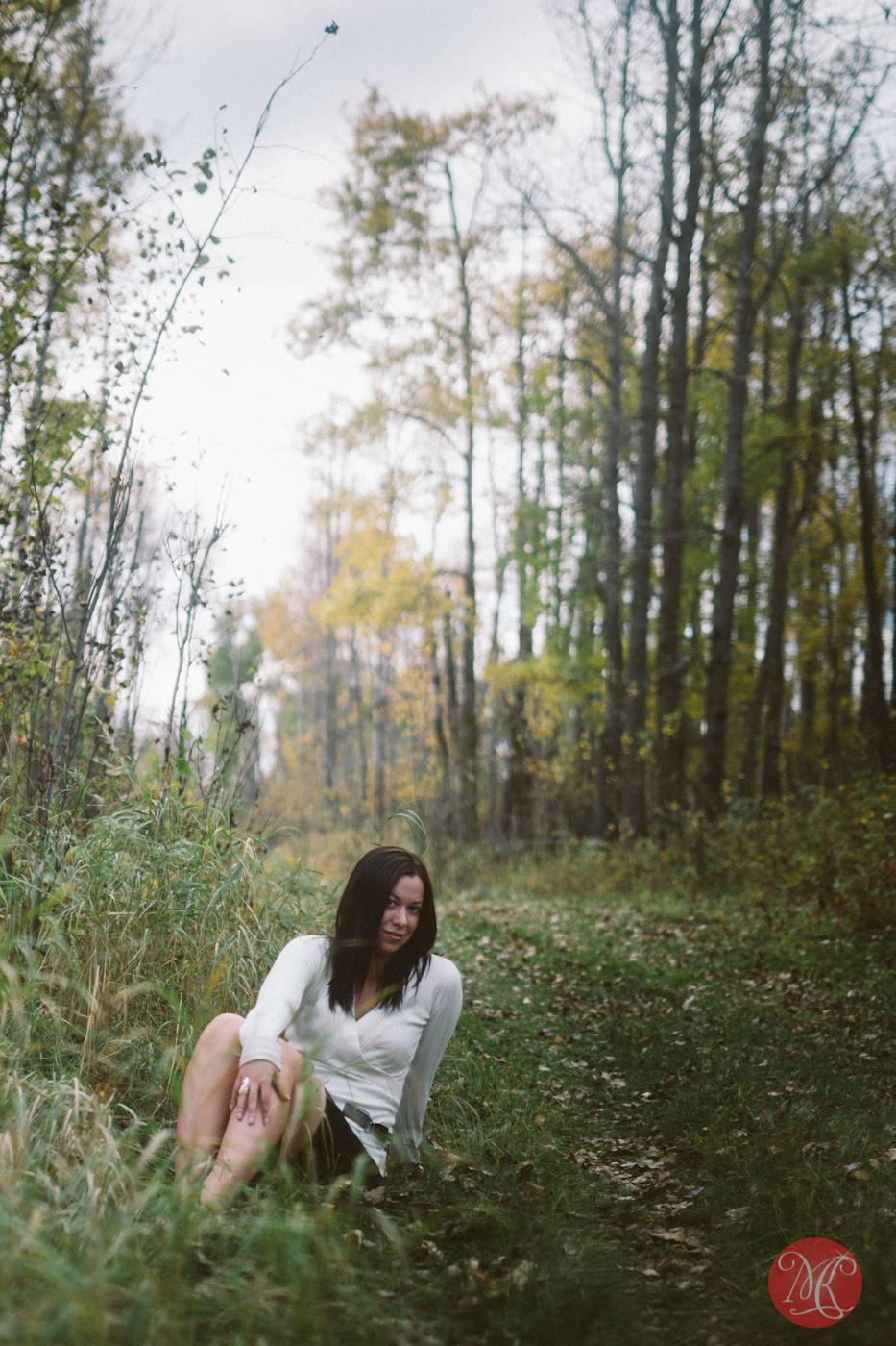 woman path forest sitting edmonton alberta photographer