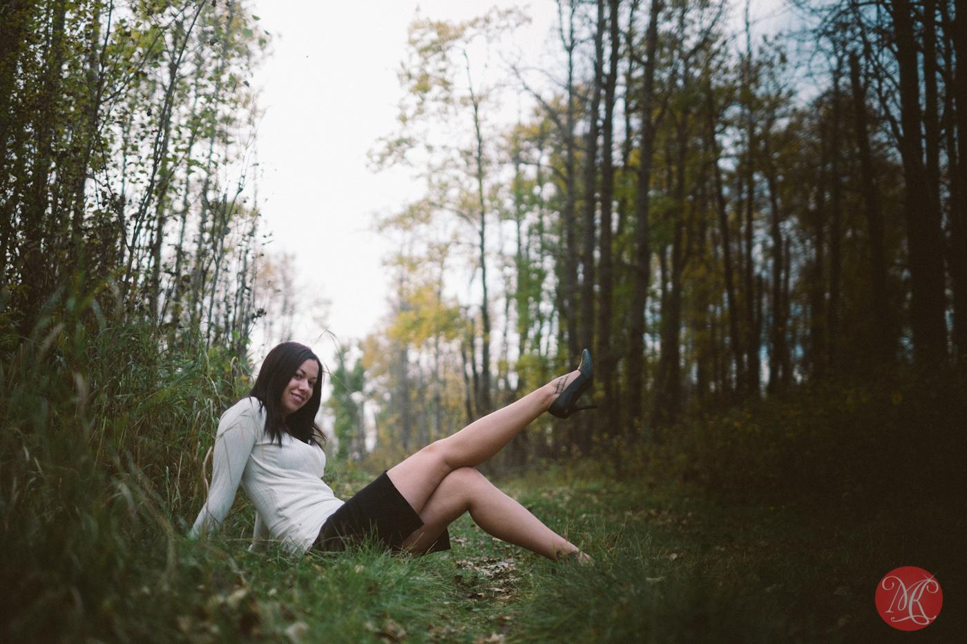 girl woman path forest sitting edmonton alberta photographer