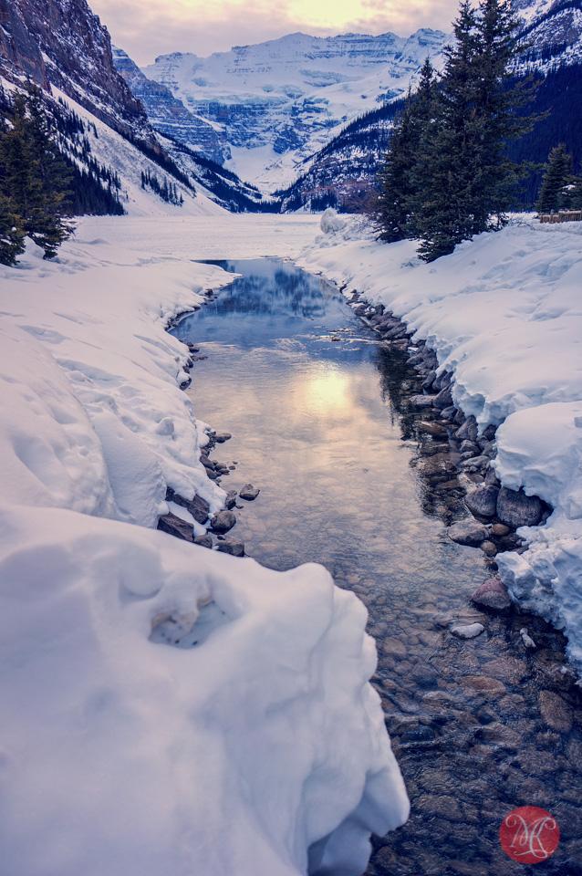 alberta landscape lake louise winter