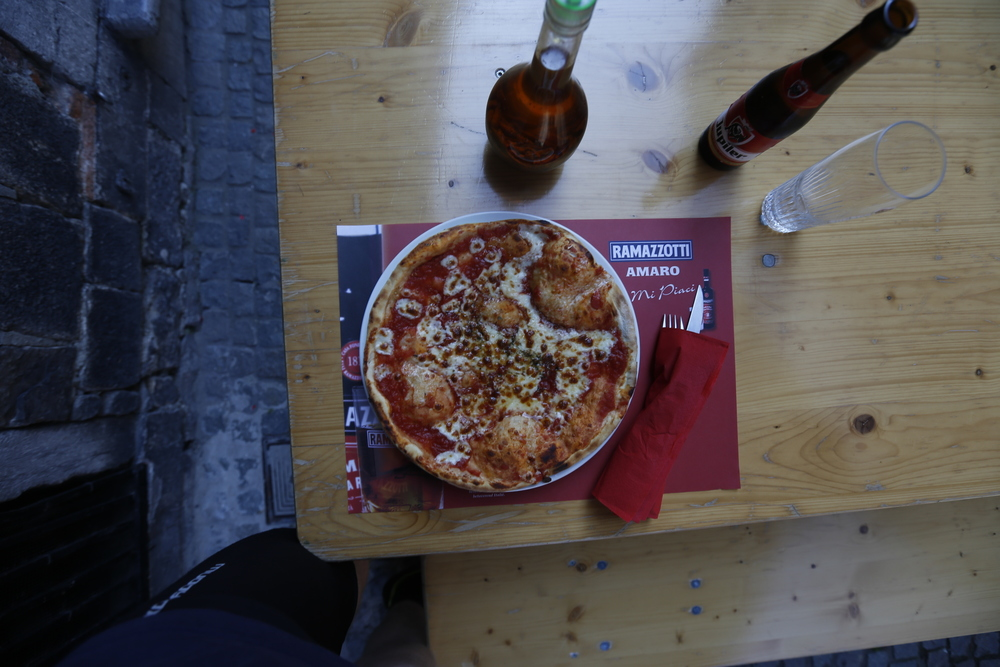 pizza, food, italian pizza, foodie, food blog, bikepacking food, cycle touring food, bikepacking beer, beer, ipa, local, brewery, photography, photography blog, bikepacking, bikepacking blog, bicycle touring apocalypse, cycling, taste, recipe, italy, italian, visit belgium, mons, visit mons,