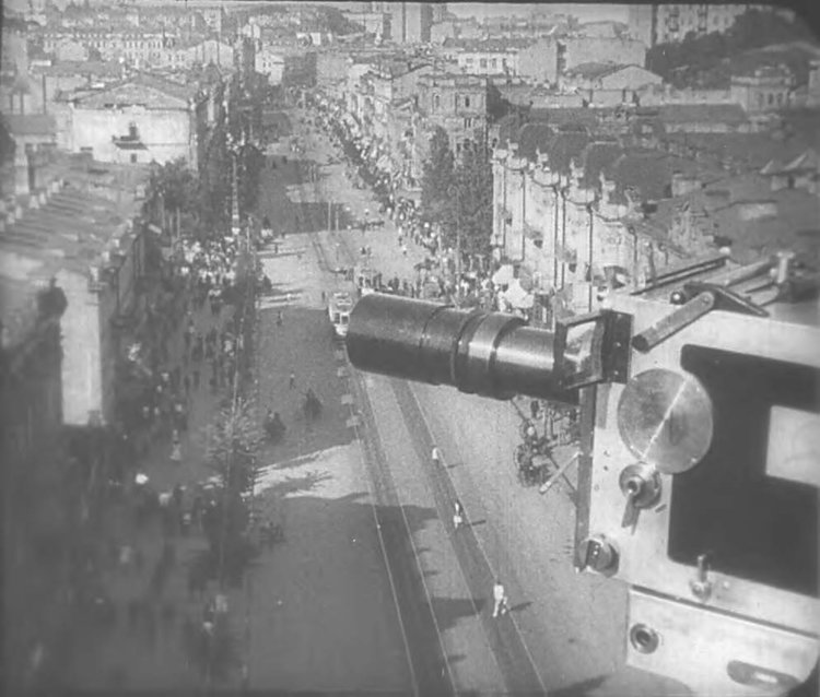From Man with a Movie Camera (Dziga Vertov, 1929). Source: Yale University Film Archive.